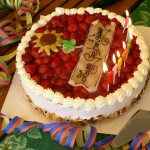 birthday-table-389235_1280
